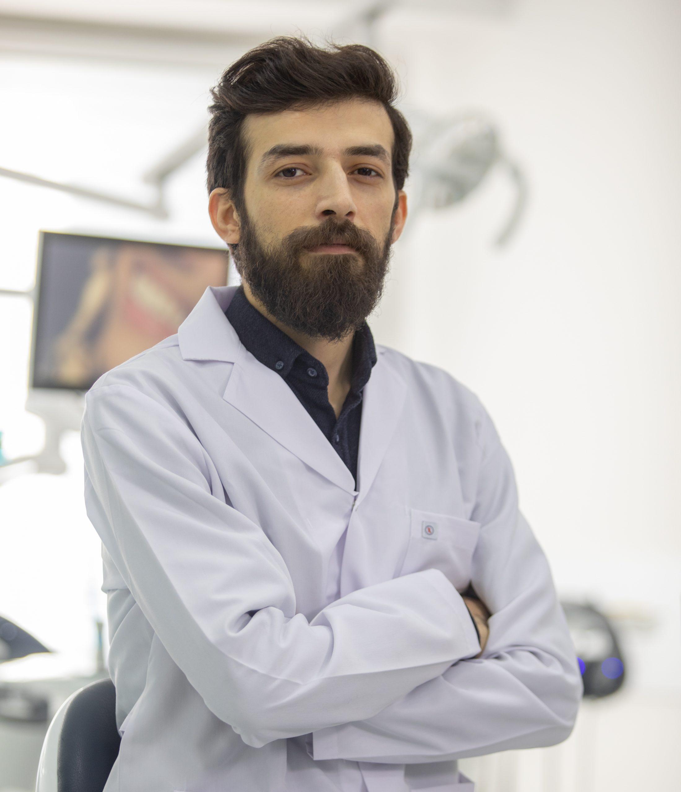 الدكتور عدنان التون داغ